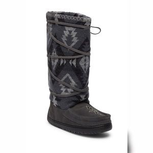 Manitobah Mukluks Boots Aztec Wool Lace Up Winter